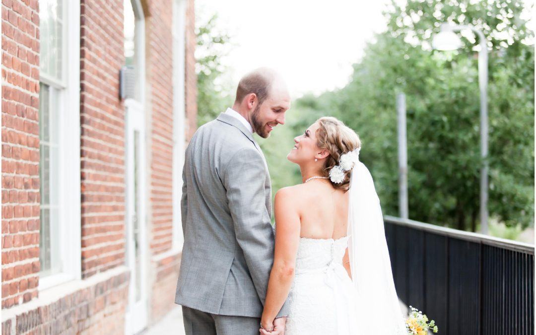 Ellen & Dustin //  A rustic, Chic, Wedding at The Cotton Room // Raleigh, North Carolina