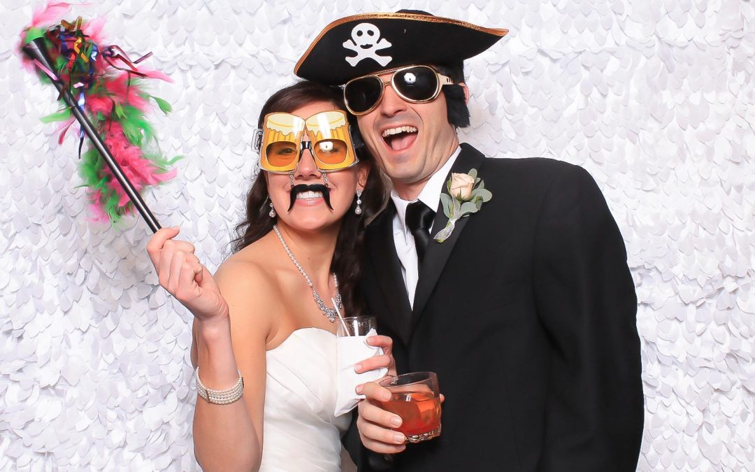 4 Reasons to Have a Photo Booth at Your Wedding