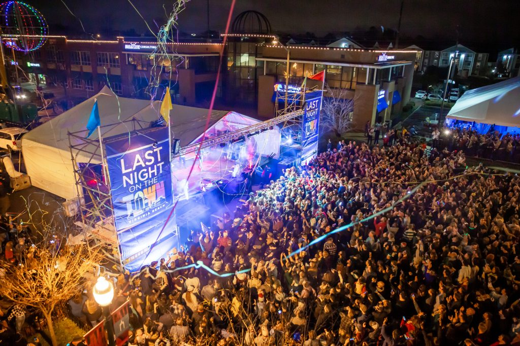 New years eve 2018, last night on the town, town center virginia beach, sami roy photography, hampton roads events, switchfoot
